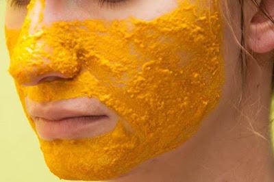 Cara membuat masker kunyit untuk perawatan wajah