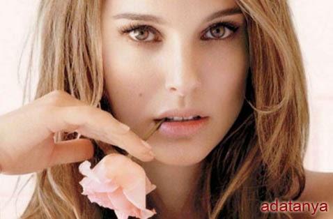 10 Aktris Paling Populer di Hollywood
