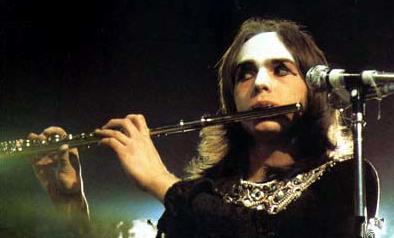 Rock 1on1 - Peter Gabriel of Genesis.png