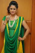 Shilpa chakravarthy sizzling photos-thumbnail-1