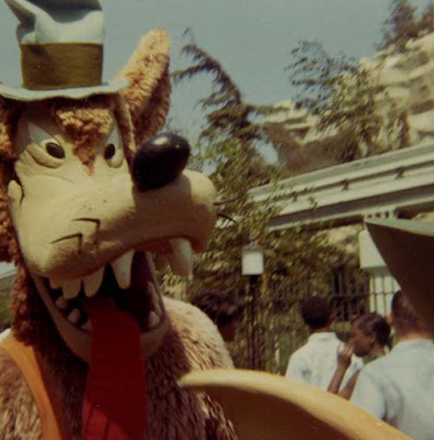 http://www.bighappyfunhouse.com/archives/hungrylikethewolf.jpg