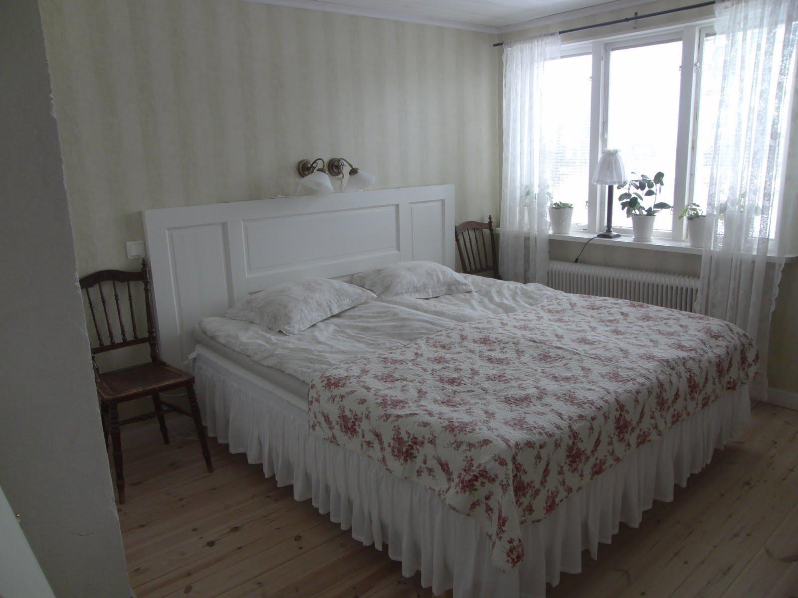 Livet på Lindänget Gammal dörr = ny sänggavel