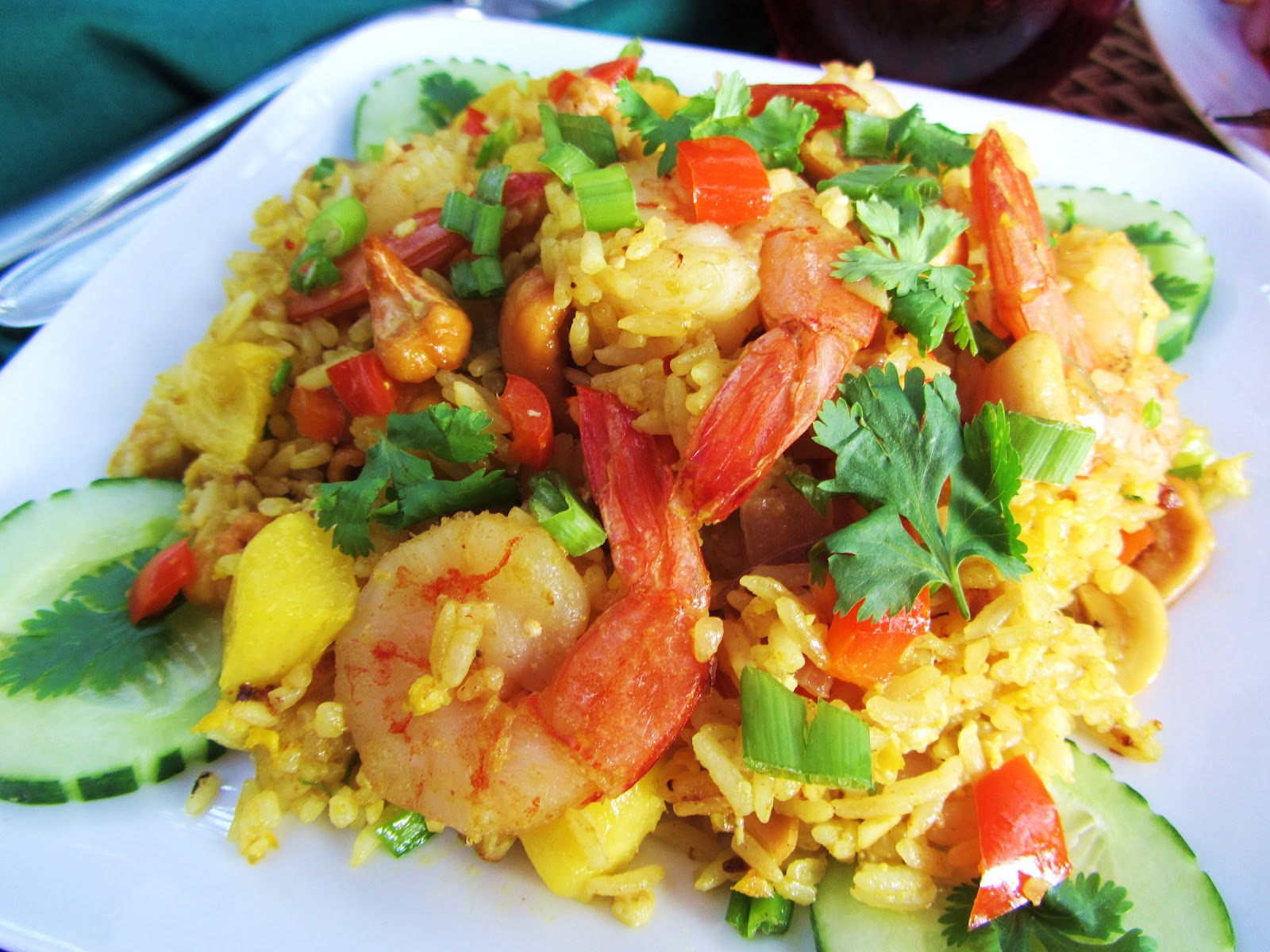 Let's eat.....simple!: Thai Pineapple Fried-Rice with Shrimp