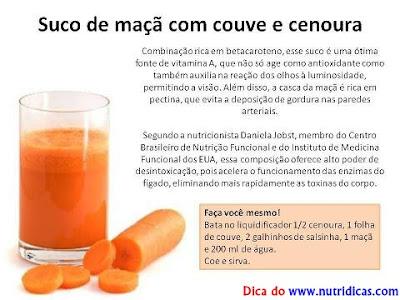 Suco de maçã com couve e cenoura