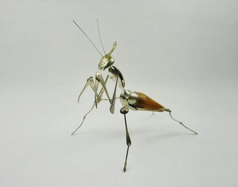 17-Violin-Mantis-Sculptor-Recycled-Animal-Sculptures-Dean-Patman-Graphic-Design-www-designstack-co