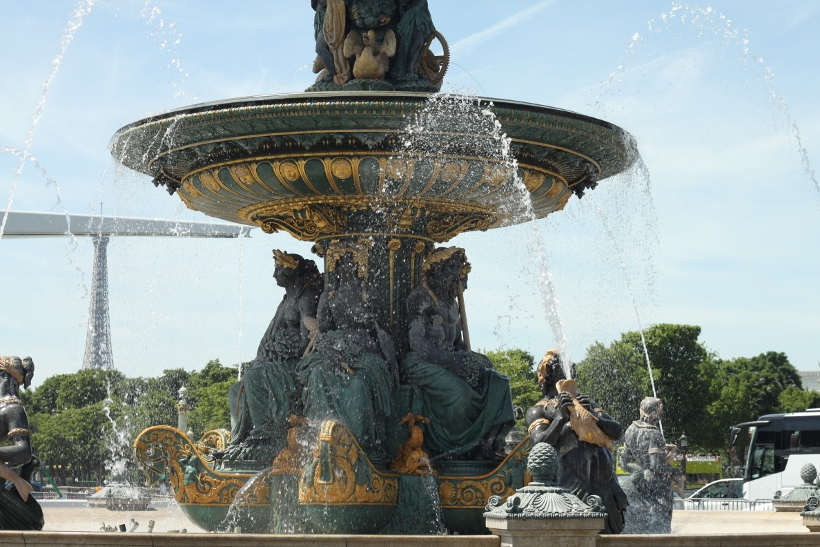 Fountain place de la concorde