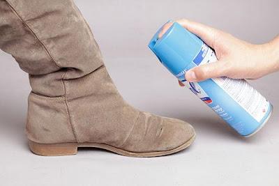 Clean-Suede-Shoes-طرق سحرية وغير معروفه لتنظيف جميع انواع الاحذية وتلميعها