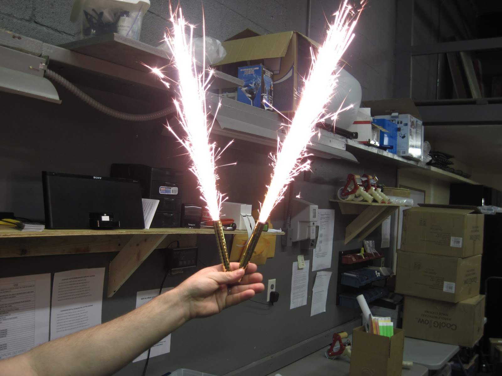 VIP CHAMPAGNE BOTTLE SPARKLERS CLOSE OUT CASES SAVE BIG ON BOTTLE
