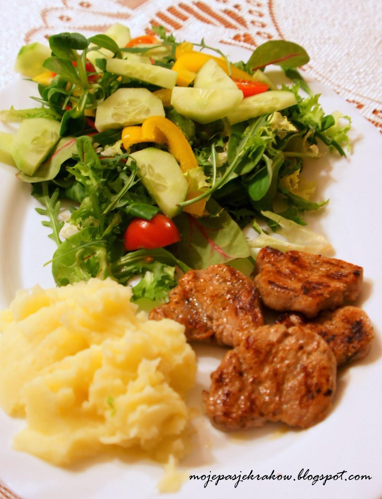 http://www.mojepasjekrakow.blogspot.com/2014/03/poledwica-z-ziemniakami-i-saatka-dieta.html