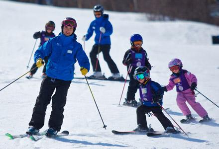 Kids snow skiing