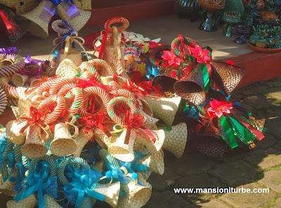 Adornos para navidad artesanales en la Región del Lago de Patzcuaro