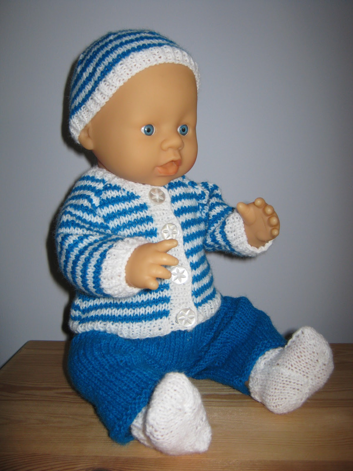 Knitting Pattern 13 Inch Doll : Sixties Spirit: Outfits for 16 inch baby doll - part 2