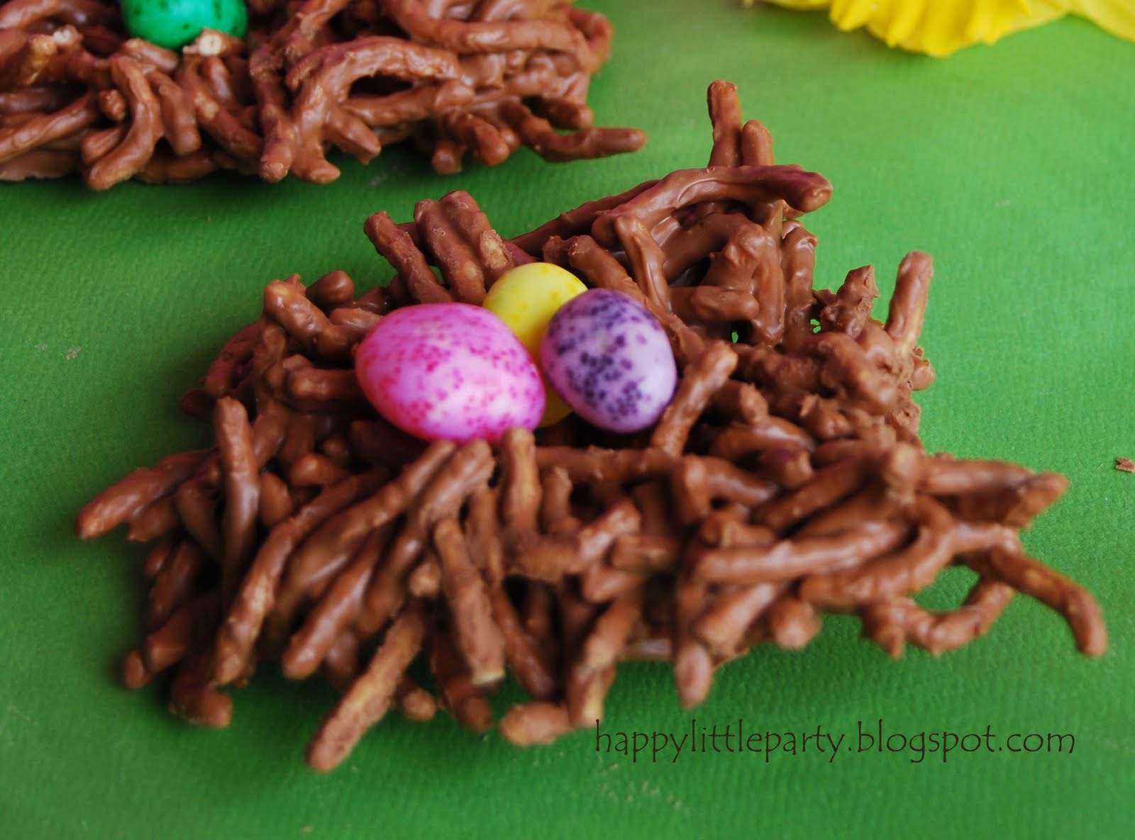 Happy little party kid food craft edible spring bird nests for Food crafts for preschoolers