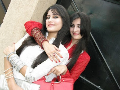 Beautiful Girls in karachi pakistan hot picture,wallpaper