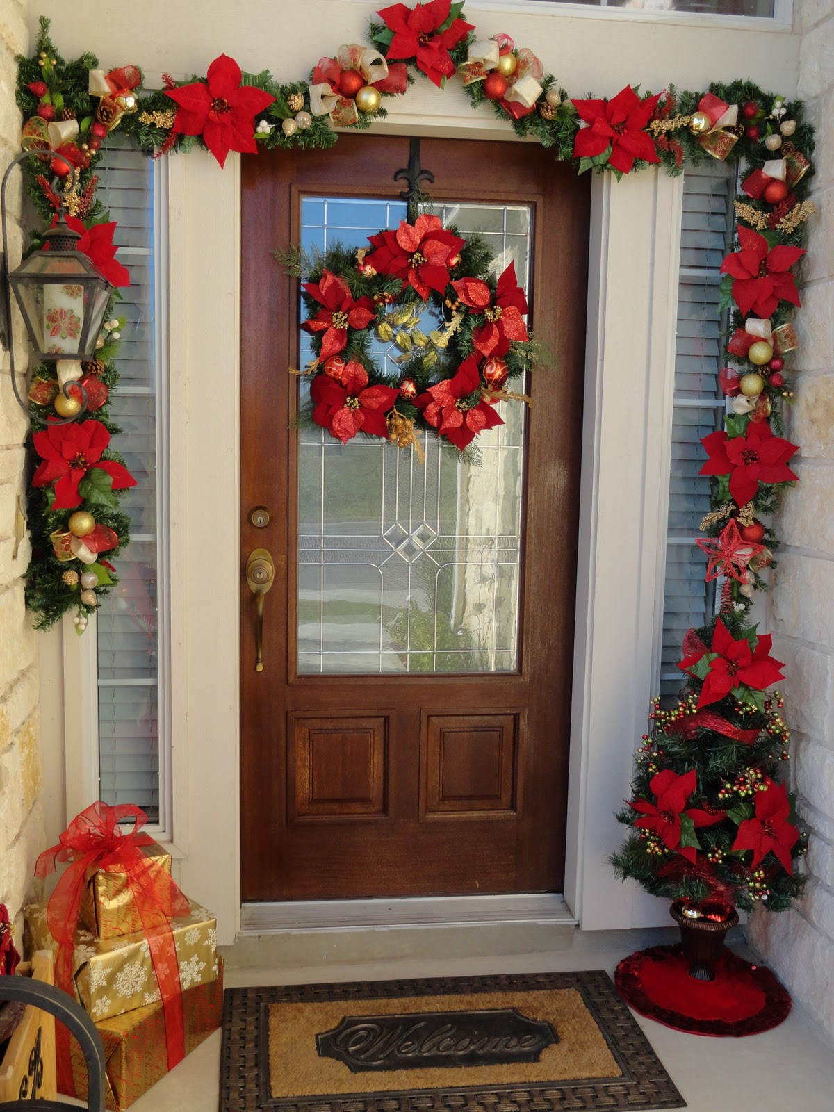 Christmas Decorations For Neighborhood Entrances : Our home away from front door christmas decor