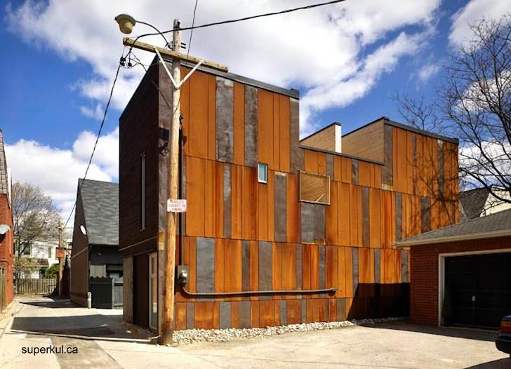 Casa de aspecto industrial en barrio de industrias de Toronto, Canadá