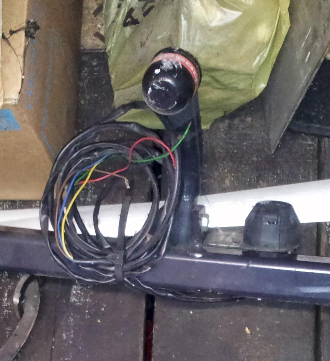 Bazar garage et maison attelage bosal megane complet tres for Garage auto bobigny