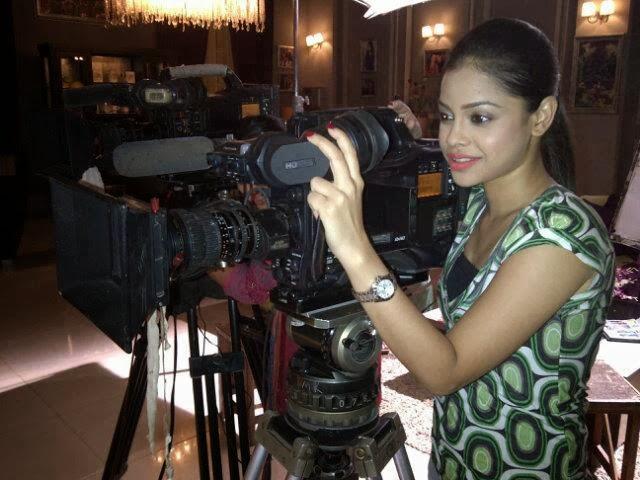 Sumona Chakraborty hot on sets unseen pics