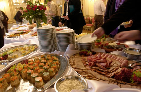 Missis Blog The Catering Staff Will Help The Food