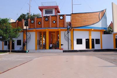 Foto Gedung Wisata BOOM Tuban
