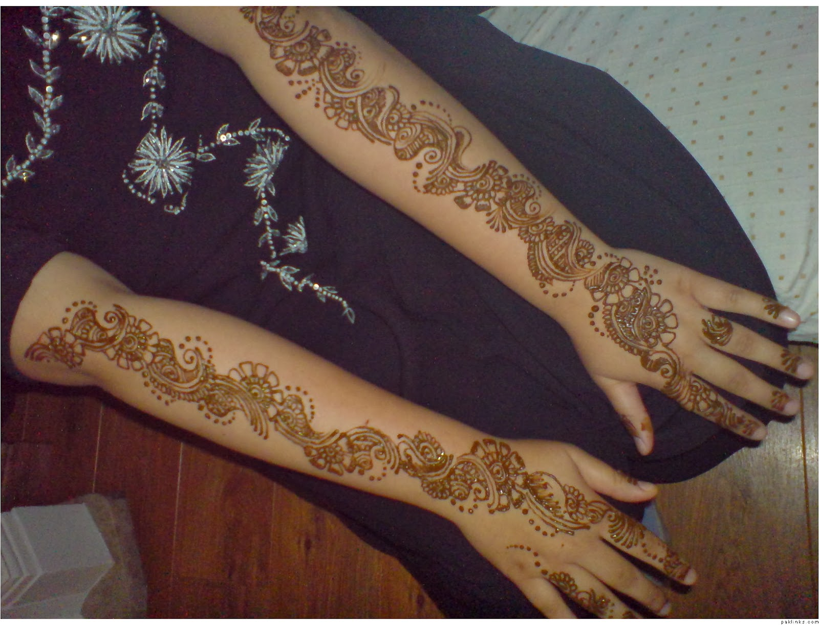 The best mehndi designs for hands livinghours - Original Mehndi Designs For Back Hands Arabic The Top 10 Picks