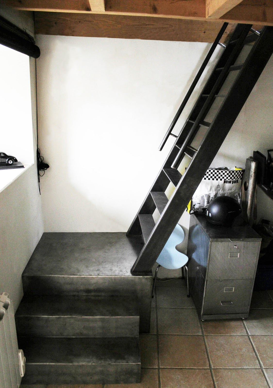 Ferronnerie m tallerie serrurerie 79 deux s vres l 39 art du fer play echelle de meunier - Escalier de meunier ...