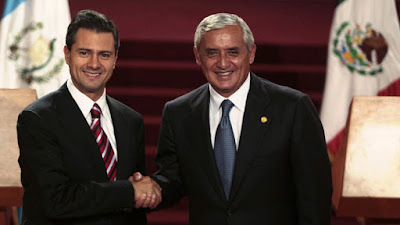 Guatemala da una lección a México de como hacer renunciar a su presidente