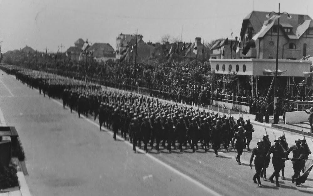 Defilarea Infanteriei pe 10 mai 1942 in Bucuresti
