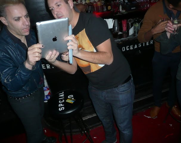 Gays who take photos of other gays in bars with iPads! Acceptable or not ...