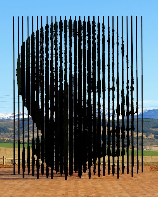 Nelson Mandela, installation by Marco Cianfanelli