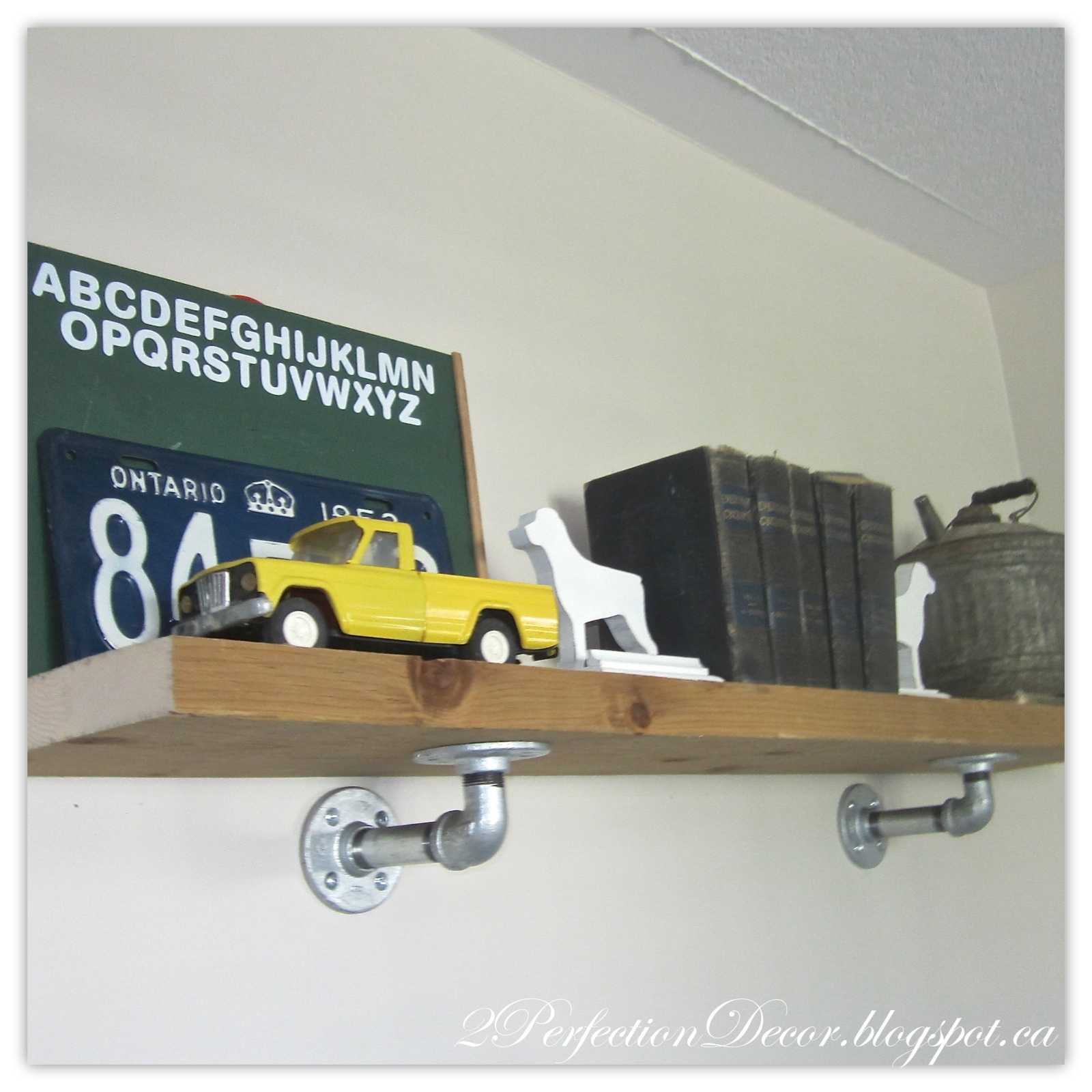 Diy Industrial Decor: 2Perfection Decor: DIY Industrial Pipe Shelf