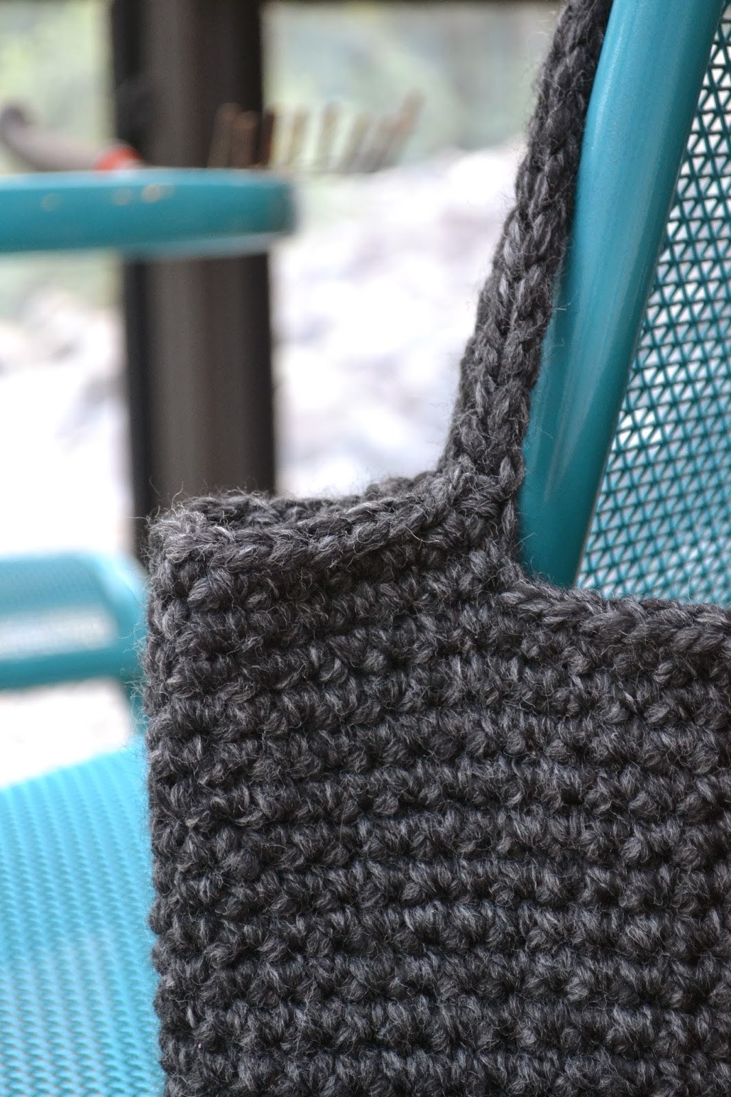 Chunky Crochet Tote Pattern : Crochet in Color: Chunky Crocheted Tote