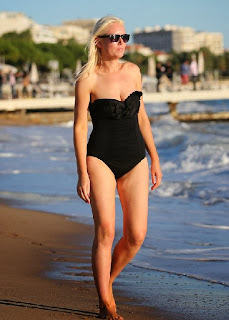 Stella English Black Swimsuit Cannes