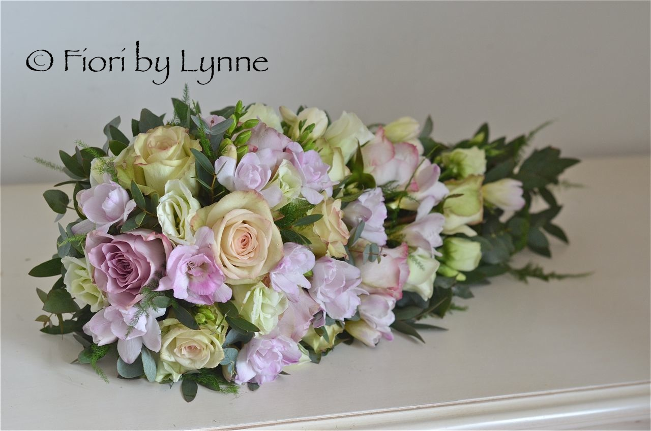 http://4.bp.blogspot.com/-uI2ctLwRH1g/UUZPE304ZLI/AAAAAAAADc4/O0HsVhZz2DM/s1600/vintage-shower-bouquet-rose-freesia-pink-green-mauve.jpg