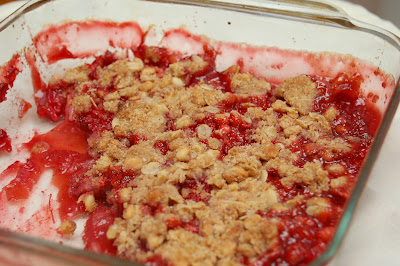 Strawberry Rhubarb Crumble | www.kettlercuisine.com