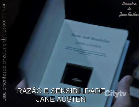 episodio 2x21 onde finch pede grace em casamente com anel em livro de Jane Austen