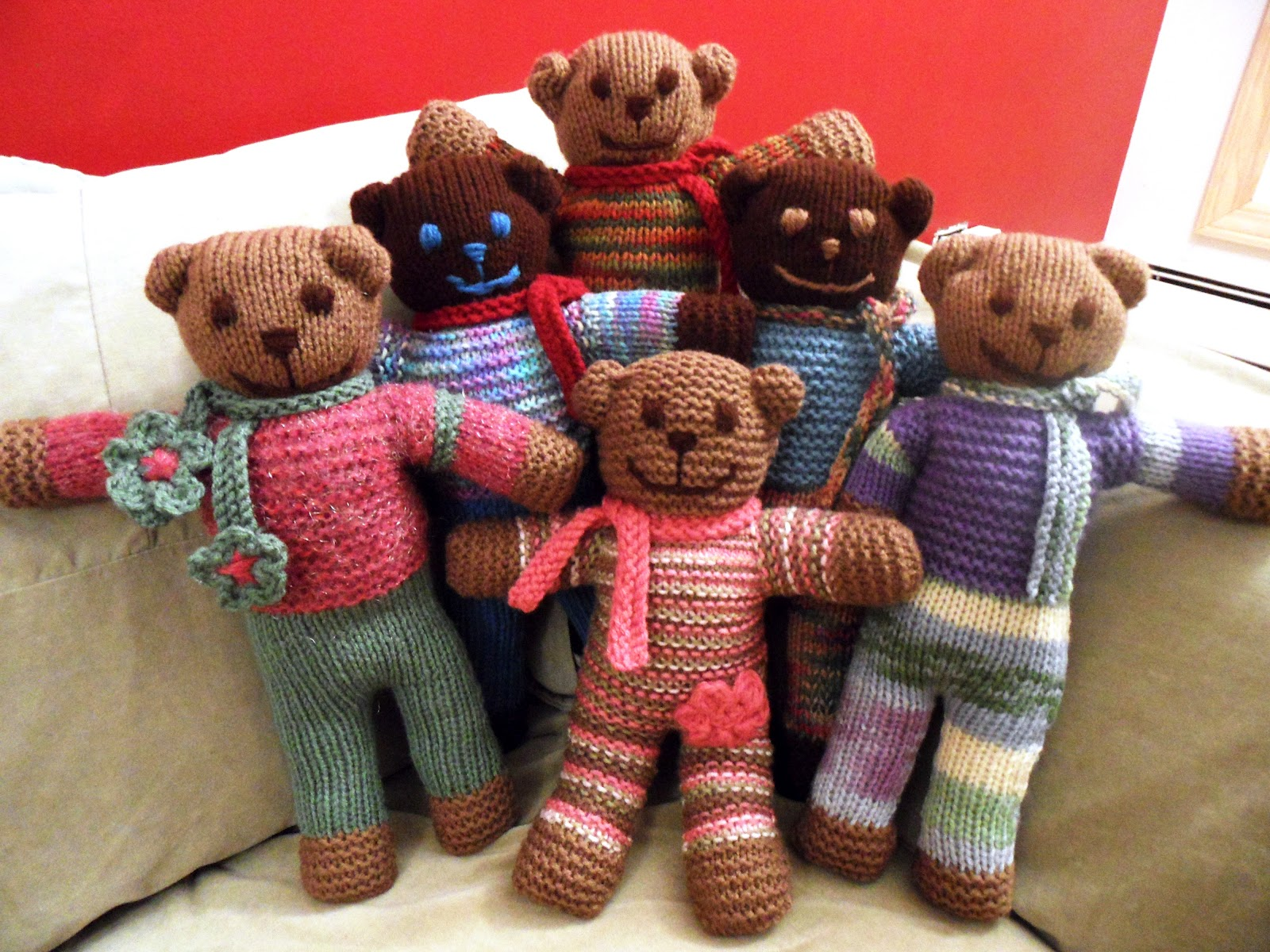 Knitted Teddy Bear Pattern For Charity : ~ Yarn