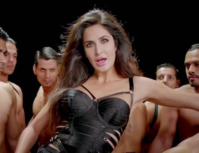 hot wallpapers world katrina kaif dhoom 3 hot scene pictures