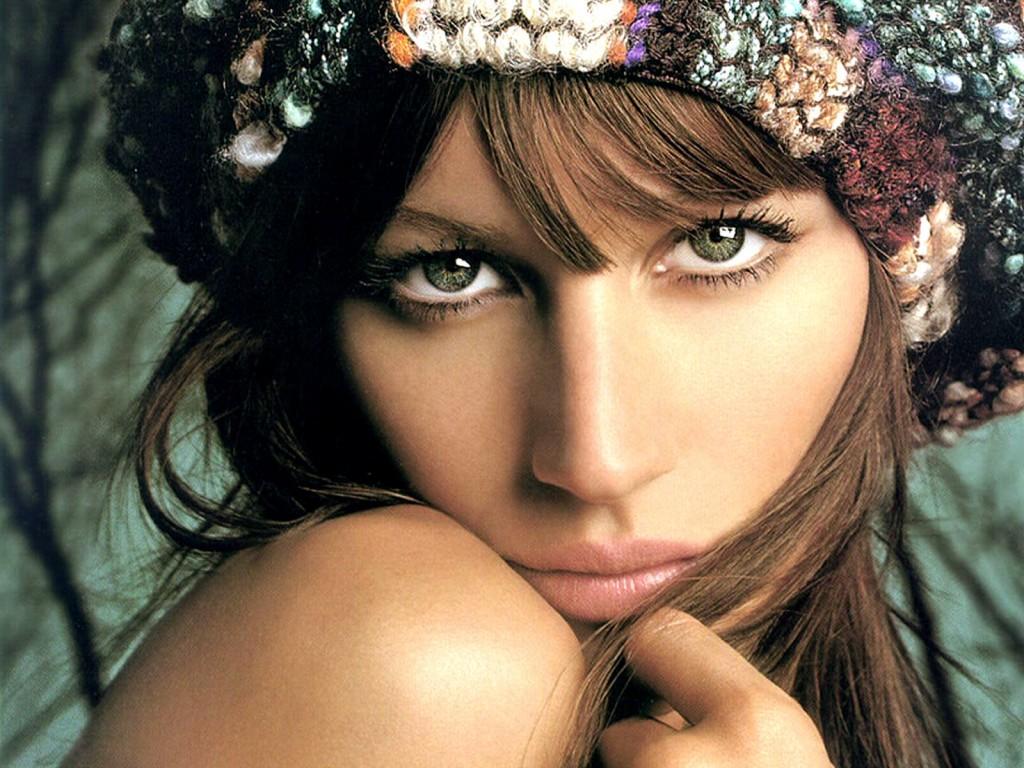 http://4.bp.blogspot.com/-uIEvk76CRkk/T0ckOWYLMzI/AAAAAAAAM0Y/rmWzRLNnRq0/s1600/Gisele+Bundchen+Hot+4.jpg