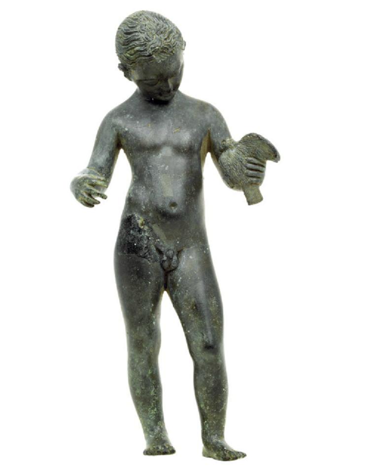 Estatuilla de niño con paloma. Siglo III a. C. Bronce. Archaeological Museum of Ioannina