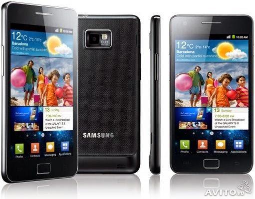 Современный удобный качественный сотовый мобильный телефон с хорошим набором функций Samsung Galaxy S II GT-I9100 Black мощный и производительный