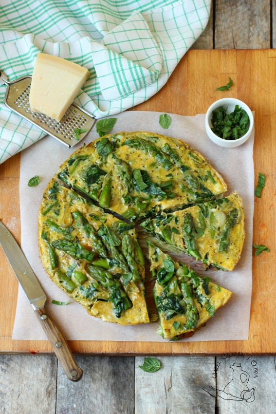 omlet ze szparagami przepis