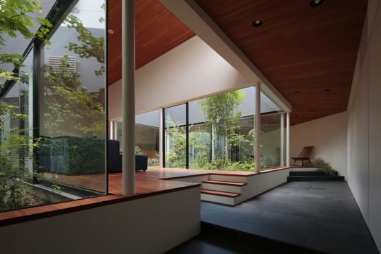 林庭とよばれる中庭が、家の中に3ヵ所あり、