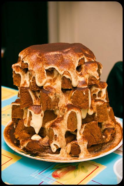 Immagine Pandoro al tiramisù, ottima ricetta natalizia a base di pandoro, crema al mascarpone e caffè!