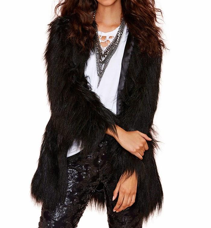 http://www.stylemoi.nu/side-pocket-black-faux-fur-coat.html
