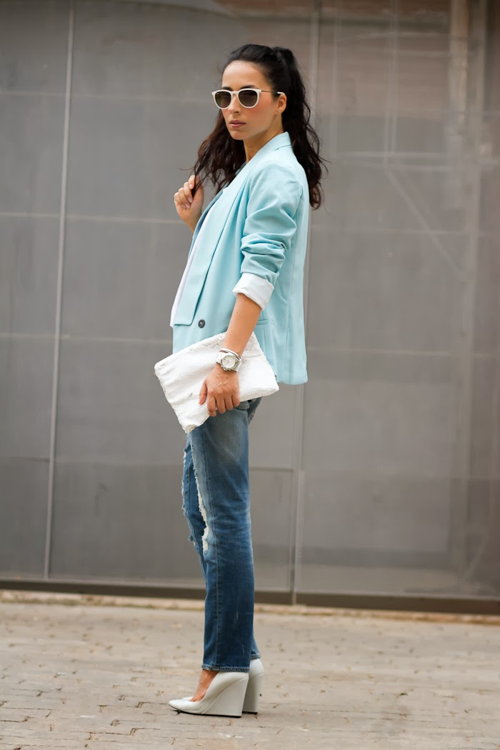 Distressed Jeans and light blue blazer