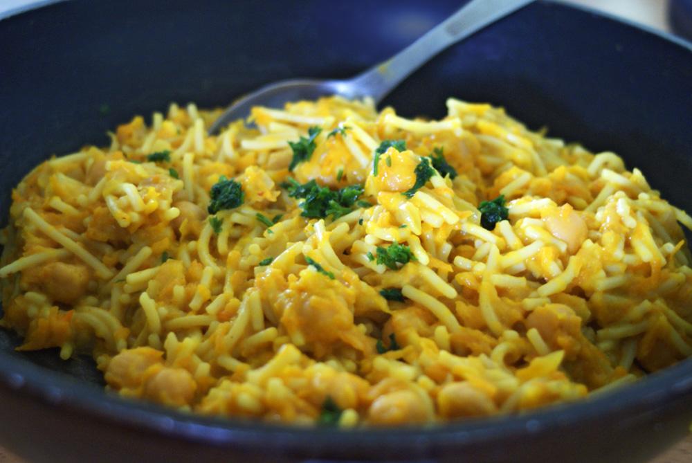 pasta, eggs, scrambled, vegan, vegetarian, one pot, dish, simple, quick, easy, dinner, brunch, breakfast, food