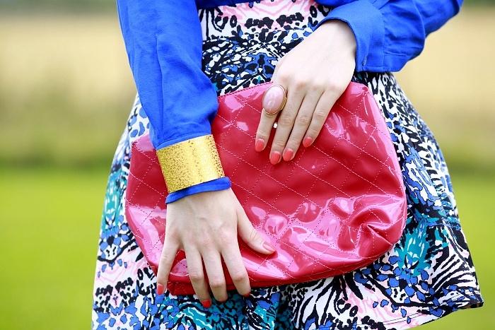 hot pink bag, shiny, pink manicure, gold bracelet, charlotte russe