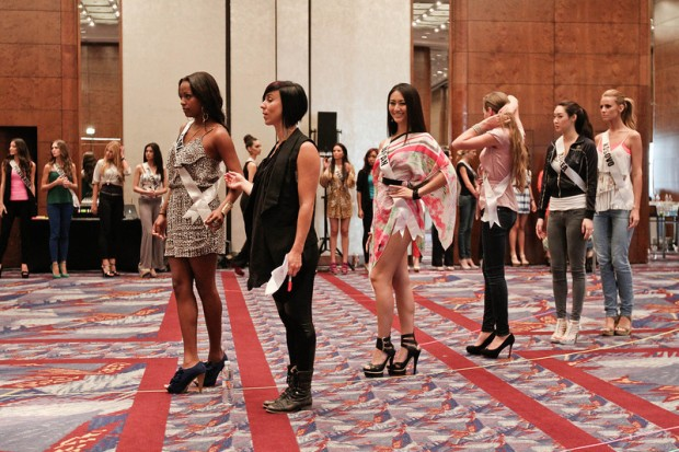 Miss Universe 2011 Contestants exercises7