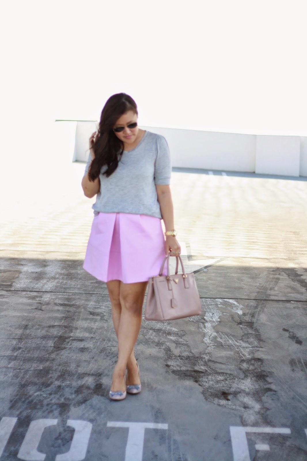 simplyxclassic, ootd, blogger, fashion blogger, orange county, los angeles, jcrew skirt, prada handbag, crew factory pumps, bow heels, pink skirt